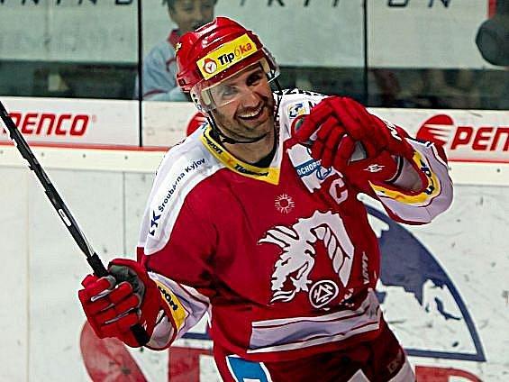 Radek Bonk svým gólem do branky Slavie rozhodl o vítězství Třince.