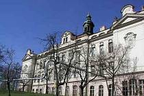Tragicky skončilo pátrání po 29letém muži, jenž 1. prosince odešel pouze v županu z pražské Fakultní nemocnice Bulovka. V sobotu se nedaleko nemocnice našlo jeho mrtvé tělo.
