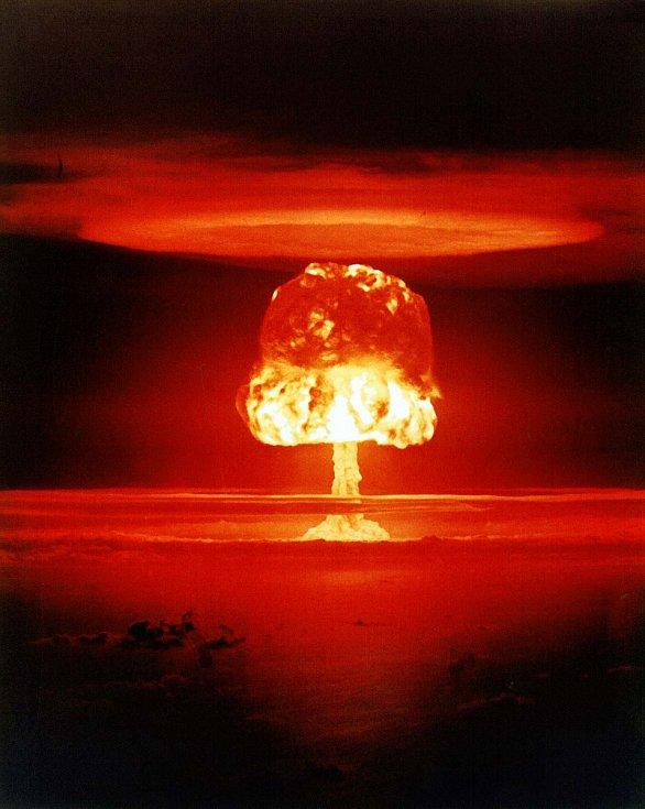 Jiný záběr z testu jaderné zbraně Romeo