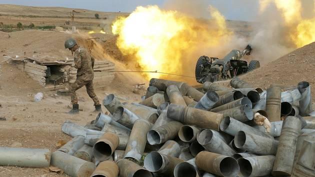 Arménské dělostřelectvo během bojů o Náhorní Karabach