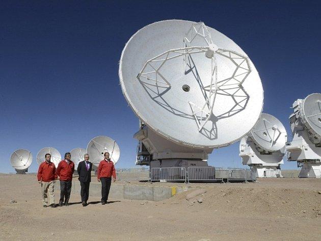 Největší a nejdražší astronomická observatoř světa ALMA v chilské poušti Atacama.