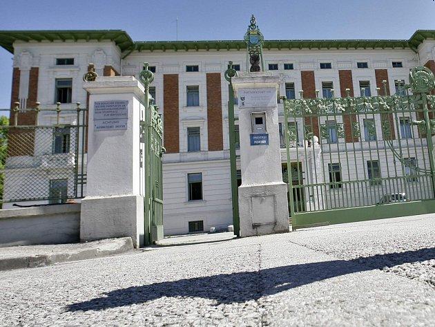 Maurerova klinika, v níž se do dnešního dne zotavovala rodina, týraná Josefem Fritzlem.