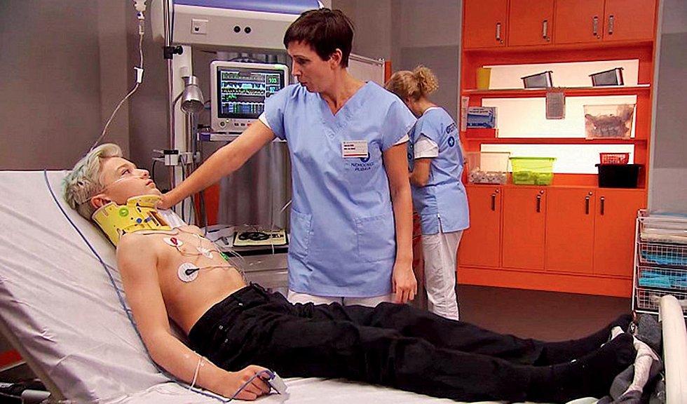 V seriálu Modrý kód jako doktorka Vlčková.