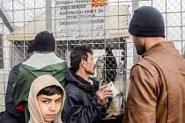 Makedonie zcela uzavřela svou hranici pro uprchlíky.