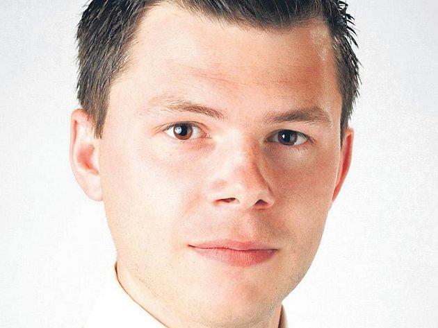 Michal Jordán vystudoval elektroniku na VUT a biomedicínské inženýrství na ČVUT. Po začátcích ve vývoji elektroniky nemocničních lůžek se ve firmě Linet zabývá právní ochranou nových produktů, v čemž se specializoval na Úřadě průmyslového vlastnictví.