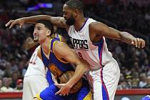 Klay Thompson z Golden State (v modrém) a Alan Anderson z Los Angeles.