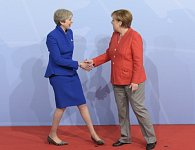 Theresa Mayová a Angela Merkelová na jednání G20 v červenci v Hamburku