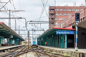 Vlakové nádraží v Pardubicích