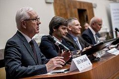 Debata s prezidentskými kandidáty proběhla 8. listopadu v Praze na Právnické fakultě. Jiří Drahoš, Marek Hilšer, Jiří Hynek, Michal Horáček