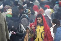 Zhruba 15.000 migrantů přešlo o víkendu z Rakouska do Německa.