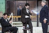 Revizor v podání budapešťského divadla Vígszínház.
