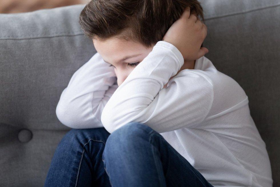 Důležité je s dětmi o nastalé situaci mluvit, poslouchat je a dát jim prostor pro emoce.
