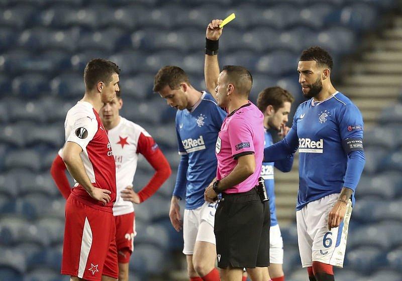 Ondřej Kúdela během zápasu s Glasgow Rangers.