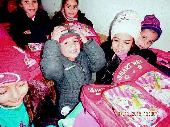 Syrské děti musí do školy chodit doslova do podzemí.