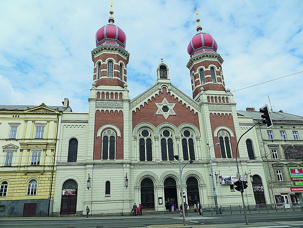 Největší vČeské republice, druhá největší vEvropě atřetí největší na světě, to je Velká synagoga vPlzni.