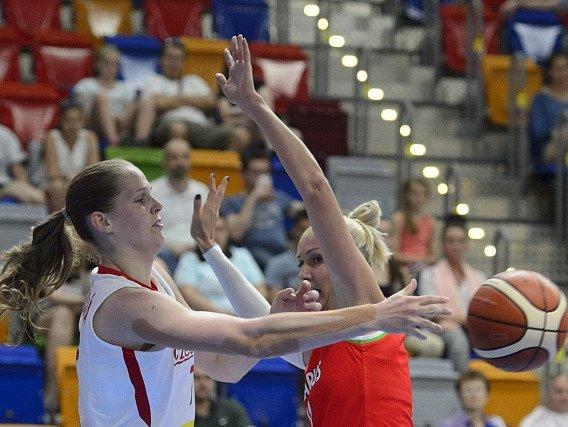 Alena Hanušová v zápase proti Bělorusku