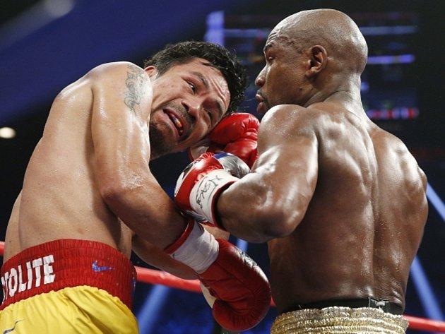 Zápas století. Manny Pacquiao (vlevo) a Floyd Mayweather Jr.