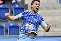 Adam Jánoš z Mladé Boleslavi se raduje z gólu.