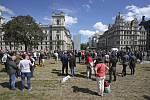 Demonstrace proti rasismu na náměstí Parliament Square v Londýně, 13. června 2020