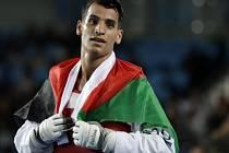 Jordánský taekwondista Ahmad Abughauš porazil ve finále kategorie do 68 kg Rusa Alexeje Denisenka a získal pro svou zemi historicky první olympijskou medaili.