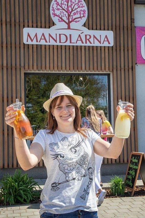 Mandlová limonáda je osvěžující novinka z Mandlárny
