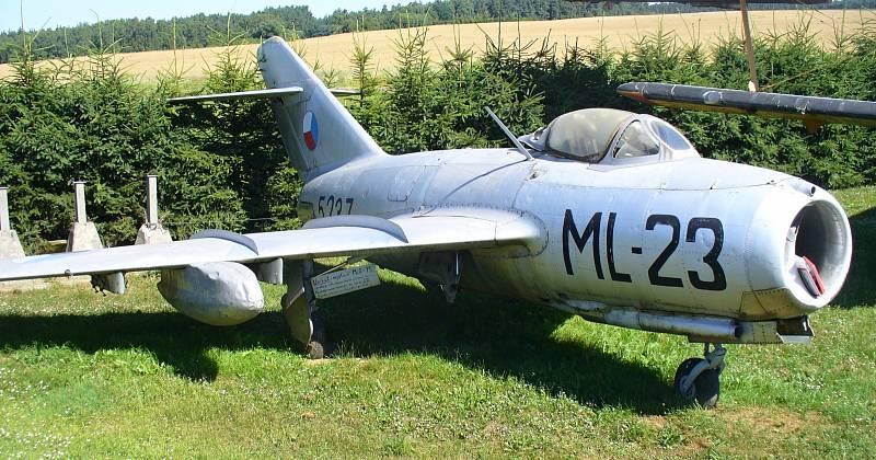 """MIG 15. První proudové letadlo vyráběné v tehdejším Sovětském svazu ve velkých sériích. Za komunistické éry to byl zřejmě nejznámější """"tryskáč"""""""