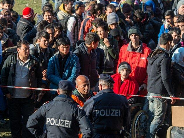 Německá vláda očekává, že do země letos přijde milion žadatelů o azyl.