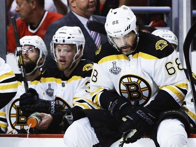Jaromír Jágr už dres Bruins přes hlavu nepřetáhne..