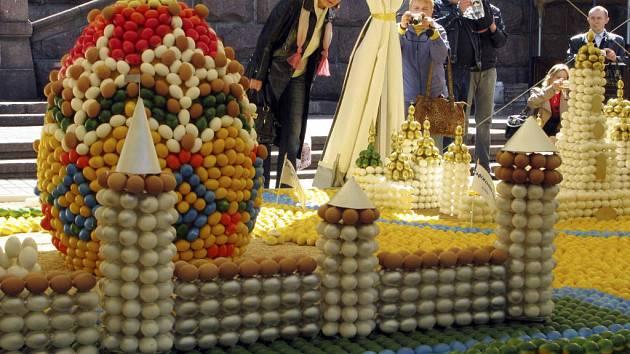 Výstava velikonočních vajec v ukrajinském Kyjevě u příležitosti pravoslavných Velikonoc.