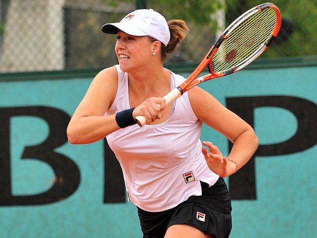 Ruskou tenistku Alisa Klejbanovou nějaká kila navíc netrápí.