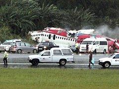 Nehoda letounu si vyžádala přes osmdesát mrtvých.