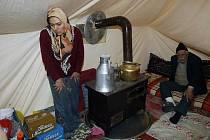Po zemětřesení v Turecku žije mnoho lidí v nuzných podmínkách a jsou odkázáni na humanitární pomoc.