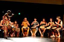 Léto tančí 2015 v Jablonci. Závěrečný večer s přezentací účastníků i lektorů.