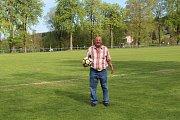 Úspěšný hráč Nové Vsi u Jablonce nad Nisou, Pavel Türk, patřil v době své fotbalové slávy k obávaným střelcům gólů v celém kraji.