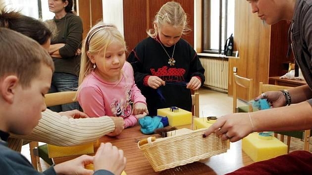 Dílna pro děti v jabloneckém Vikýři.