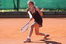 Mezinárodní tenisový turnaj žáků do 14 let v pondělí završil kvalifikaci. V úterý začíná hlavní soutěž.