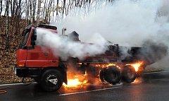 Požár nákladního automobilu Tatra 815.