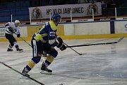 II. liga: HC Vlci Jablonec - Kobra Praha 5:1. Vlci - bílé dresy.