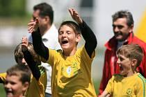 Krajské finále McDonald's Cupu 2012 bylo v Chance areně. ZŠ Na Šumavě (ve žlutém) postoupila do národního finále.