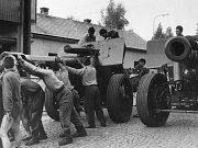 21. srpna 1968 vtrhla do Pojizeří invazní vojska armád Varšavské smlouvy. Čeští vojáci v turnovských kasárnách byli připraveni k obraně města.
