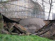 Spadlý most ve Vratislavicích
