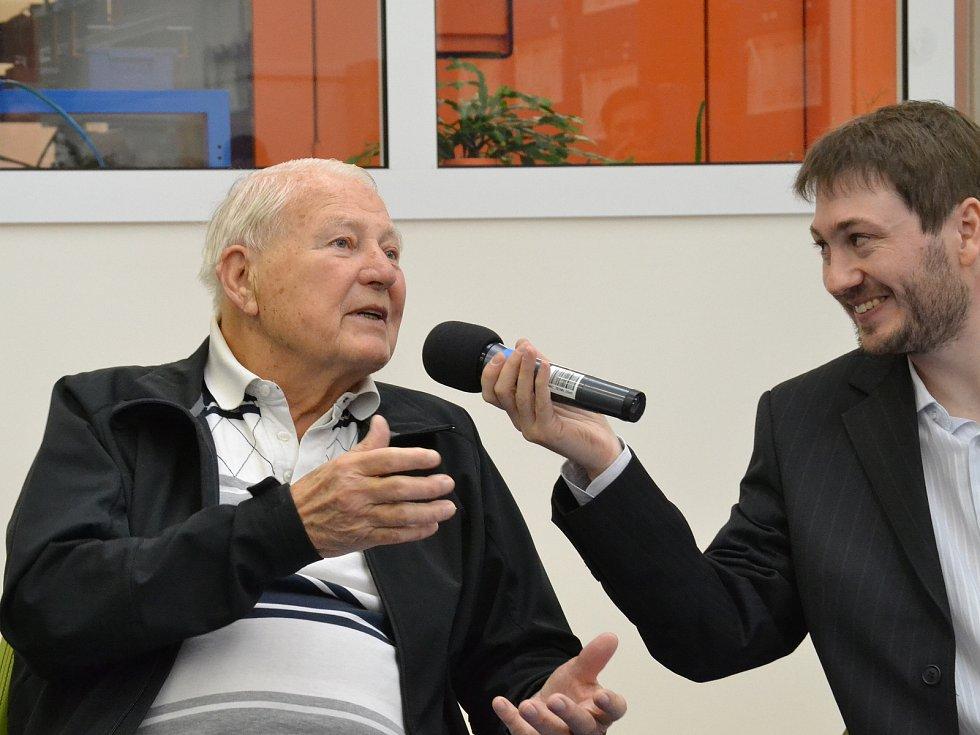 Karel Fiala v České mincovně v Jablonci nad Nisou, 2015.