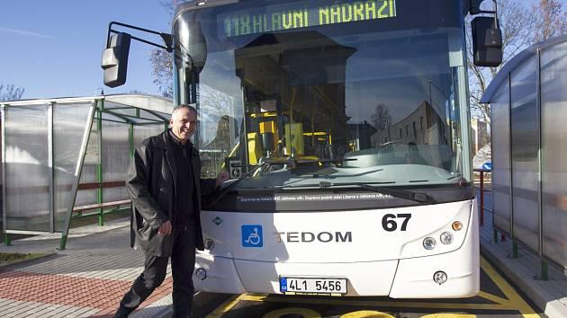Otevření otočky autobusů u vlakového nádraží v Jablonci n. N.
