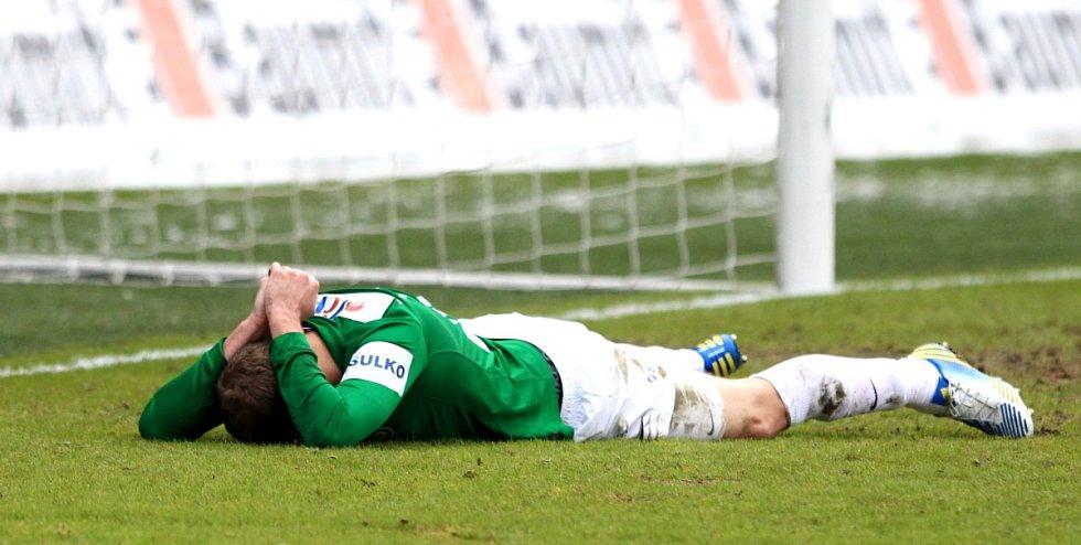 Jablonec porazil doma Brno 2:0. Na snímku Michal Hubník z Jablonce, který nertefil prázdnou bránu.