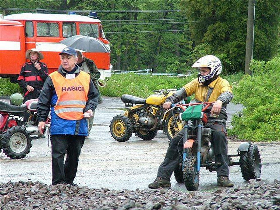 Sbor dobrovolných hasičů Loužnice. Traktůrky 2009.
