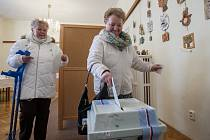 Druhé kolo prezidentských voleb 26. ledna v Desné na Jablonecku.