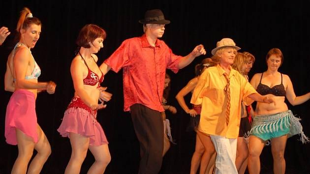 Velký úspěch u obecenstva zaznamenala Karnevalová samba z dílny Sofie da Silva. Závěrečný večer obohatil vystoupením drumshow Alan Vitouš nebo pantomimický tanec.