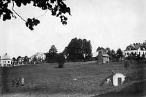 Historické snímky obce Dalešice.