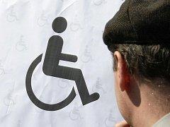 Zdravotně postižení.