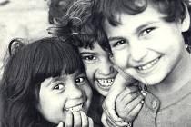 Doprovodná akce festivalu Jeden svět – výstava černobílých fotografií Hany Šebkové: Štěstí a vítr jedno jsou.